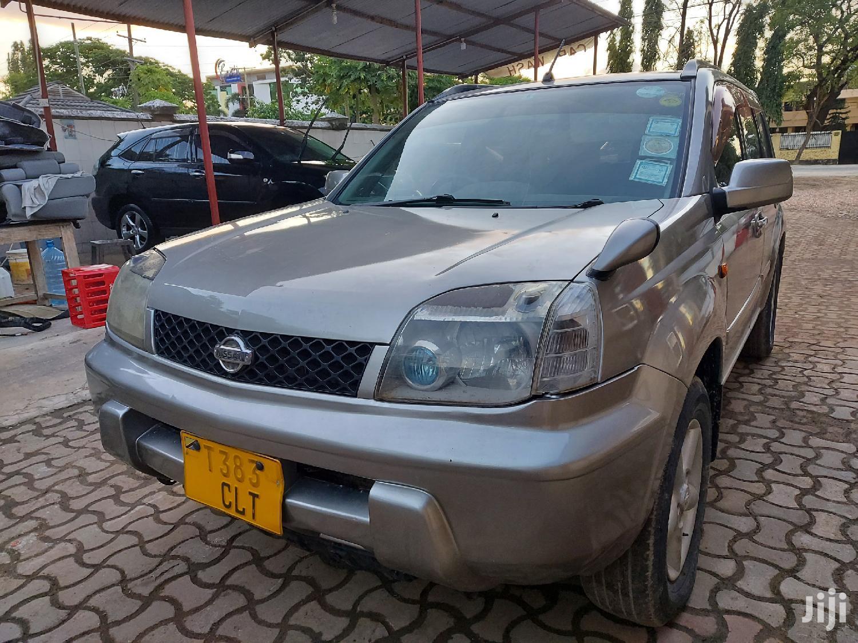 Nissan X-Trail 2001 2.0 Gray