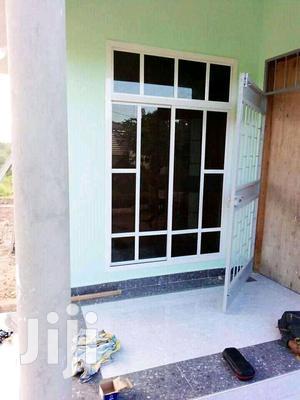Fundi Aluminium Madirisha Milango Kabati Na Partition   Windows for sale in Dar es Salaam, Temeke