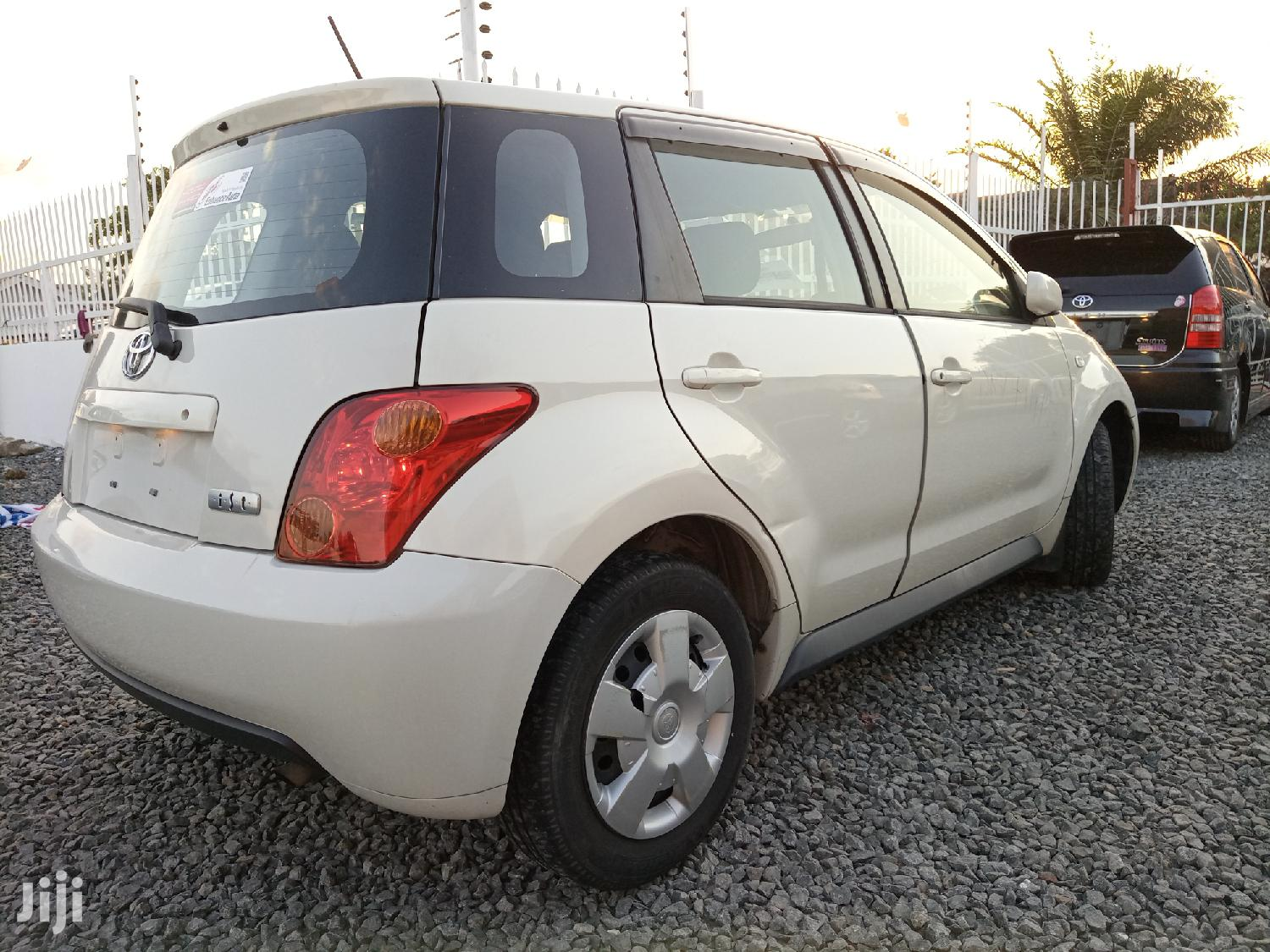 Archive: New Toyota IST 2004 White