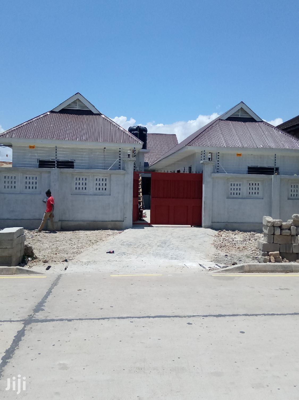 Nyumba Mpya Za Kisasa Zinapangishwa.