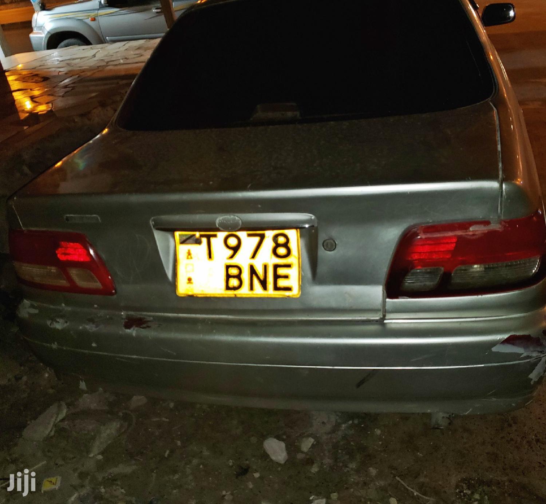 Archive: Toyota Carina 2002 Gray