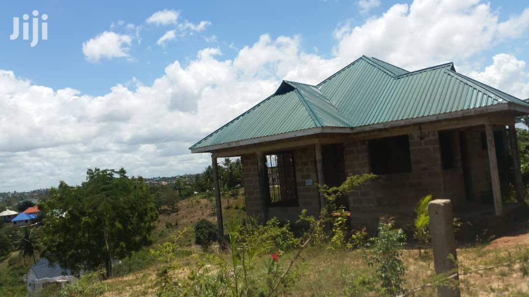 Archive: Nyumba Inauzwa Goba Njia Nne