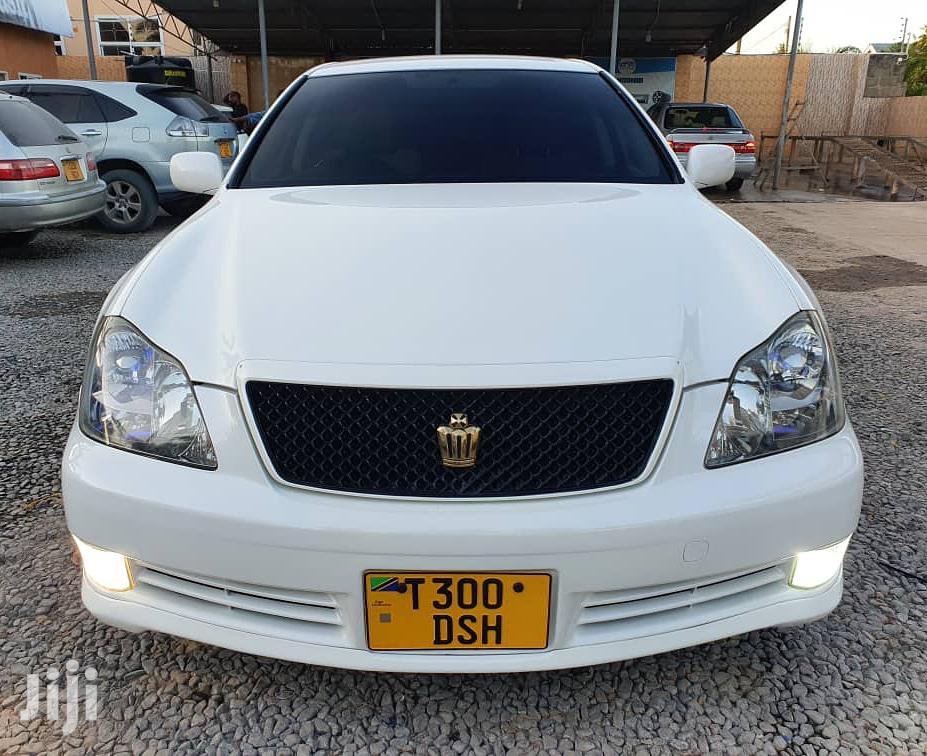 Toyota Crown 2005 Royale White