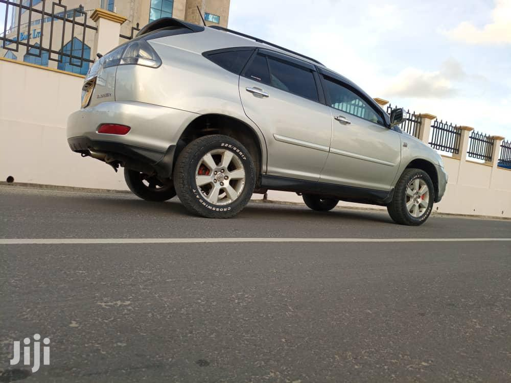 Archive: Toyota Harrier 2008 Silver