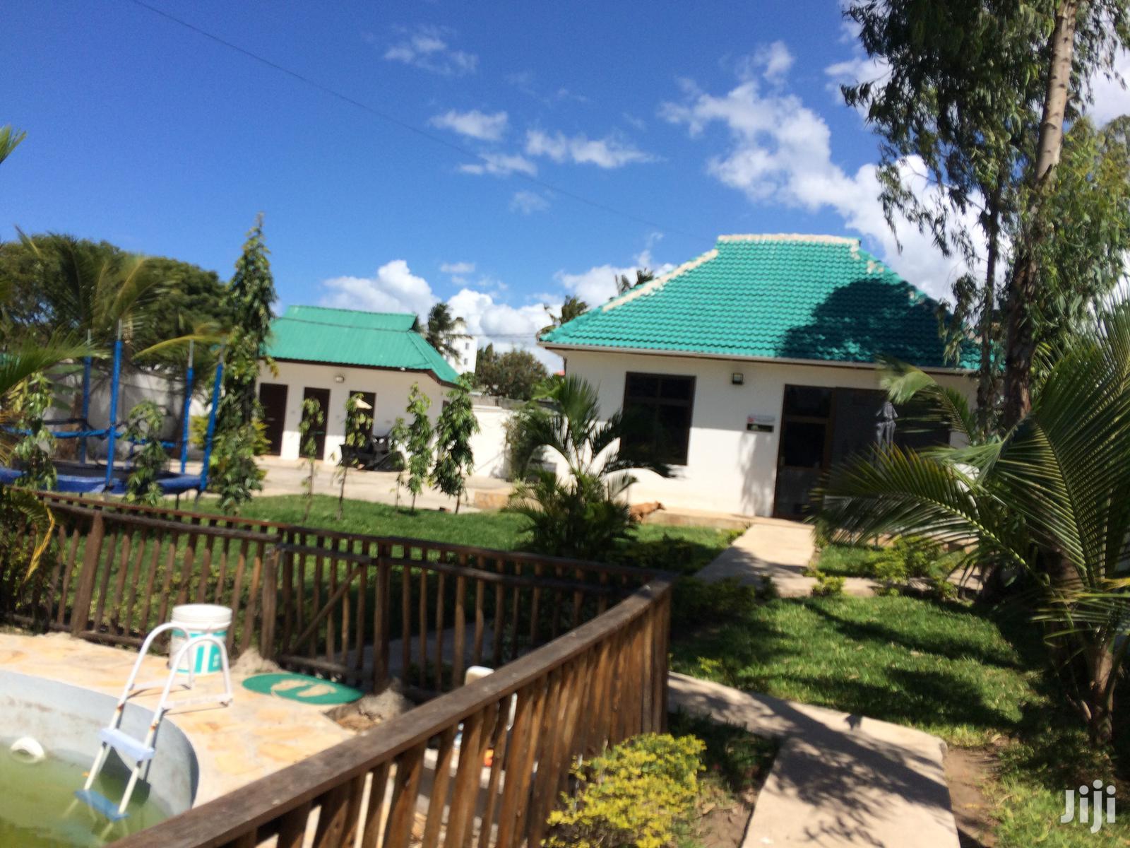 Office for Sale/Rent at Msasani Near Masaki. | Houses & Apartments For Sale for sale in Kinondoni, Dar es Salaam, Tanzania