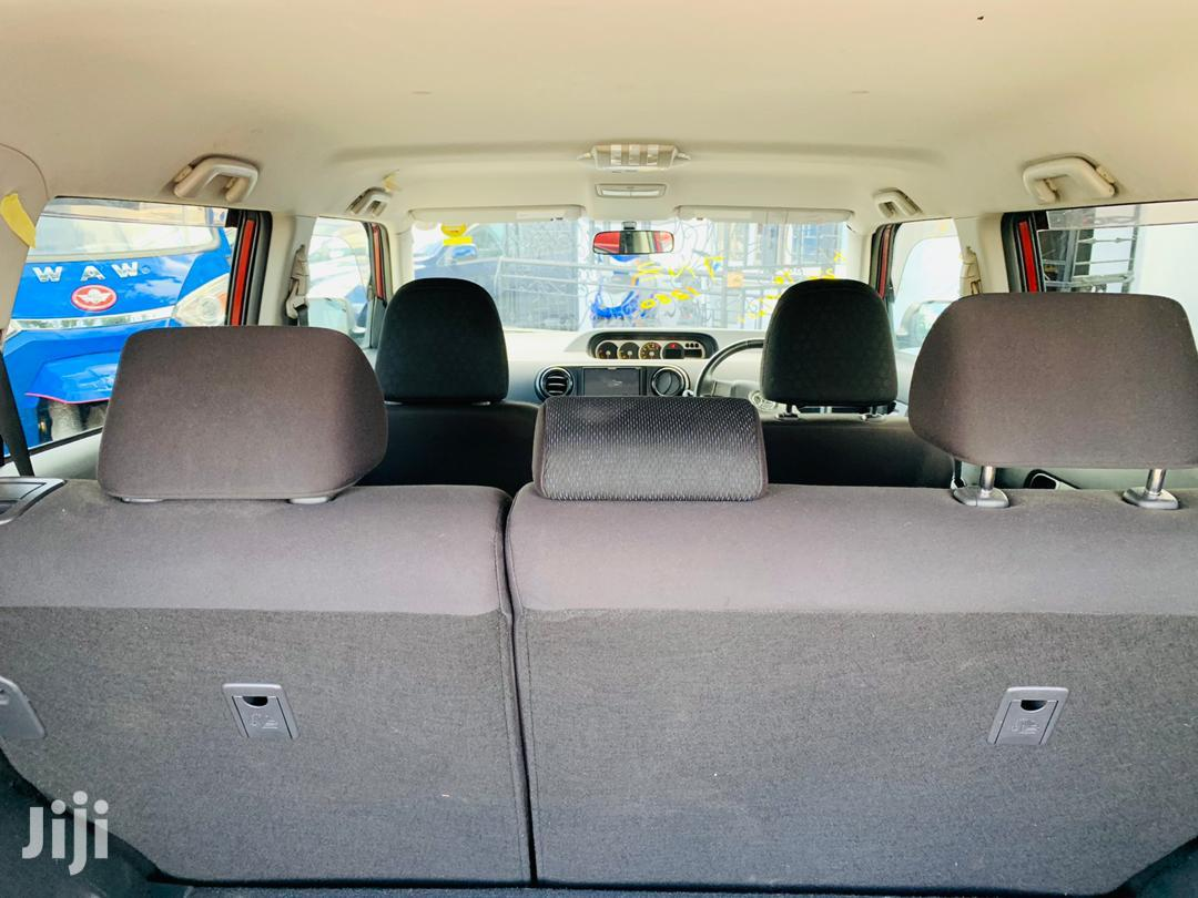 Archive: Toyota Corolla Rumion 2008
