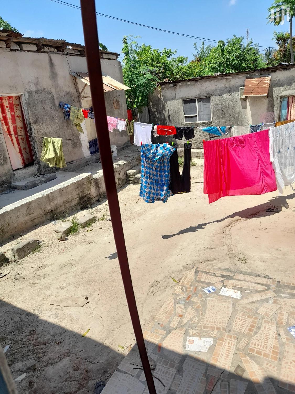Nyumba Inauzwa Yenye Mabanda Matatu Pamoja Na Uwanja Mkubwa | Houses & Apartments For Sale for sale in Kigogo, Kinondoni, Tanzania
