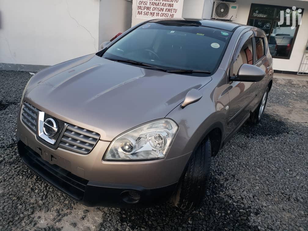 Archive: Nissan Dualis 2009 Beige