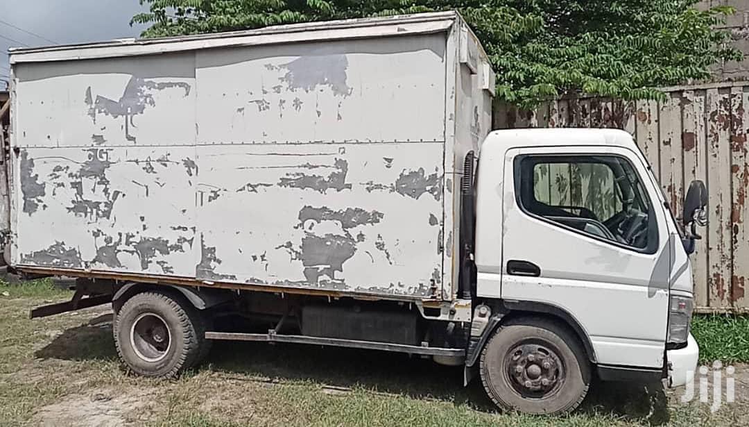 Mitsubishi Canter 2005 White For Sale | Trucks & Trailers for sale in Kinondoni, Dar es Salaam, Tanzania