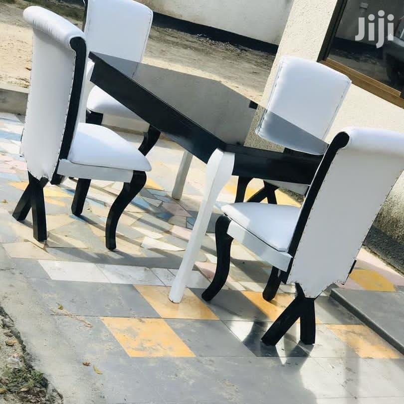 Simple and Unique Dinning Table | Furniture for sale in Temeke, Dar es Salaam, Tanzania