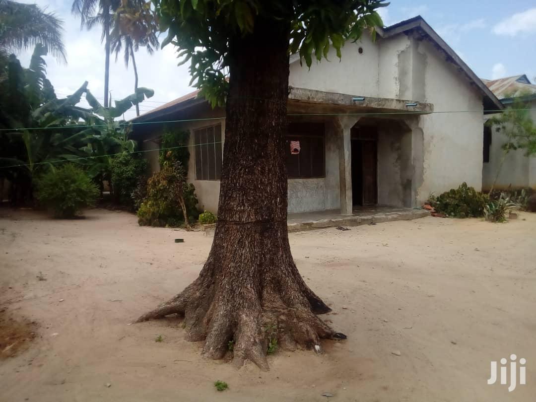 Archive: Nyumba Kigamboni Na Uwanja Mkubwa