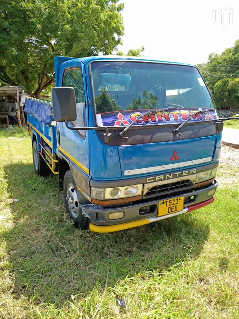 Archive: Mitsubishi Canter Tipa 2000 Blue For Sale