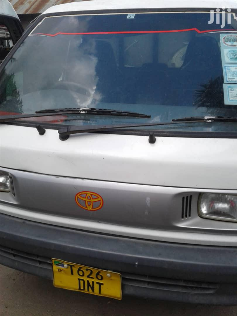 Archive: Toyota Townace 1998 White