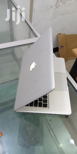 Laptop Apple MacBook 2007 2GB Intel Core 2 Duo HDD 320GB | Laptops & Computers for sale in Dar es Salaam, Ilala
