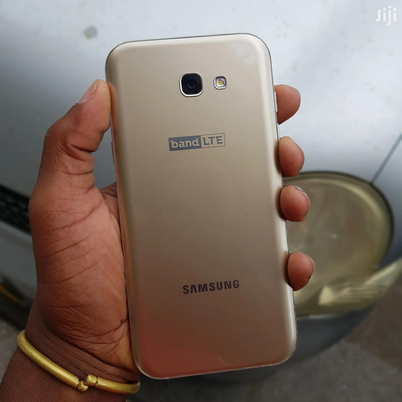 New Samsung Galaxy A7 32 GB Gold