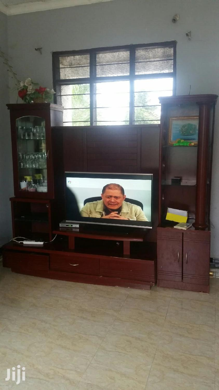 Archive: Meza Ya Tv Ya Kibabe