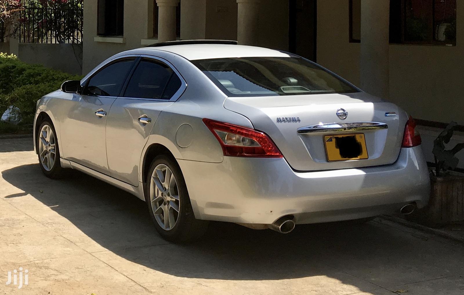 Archive: Nissan Maxima 2011 3.5 SV Silver