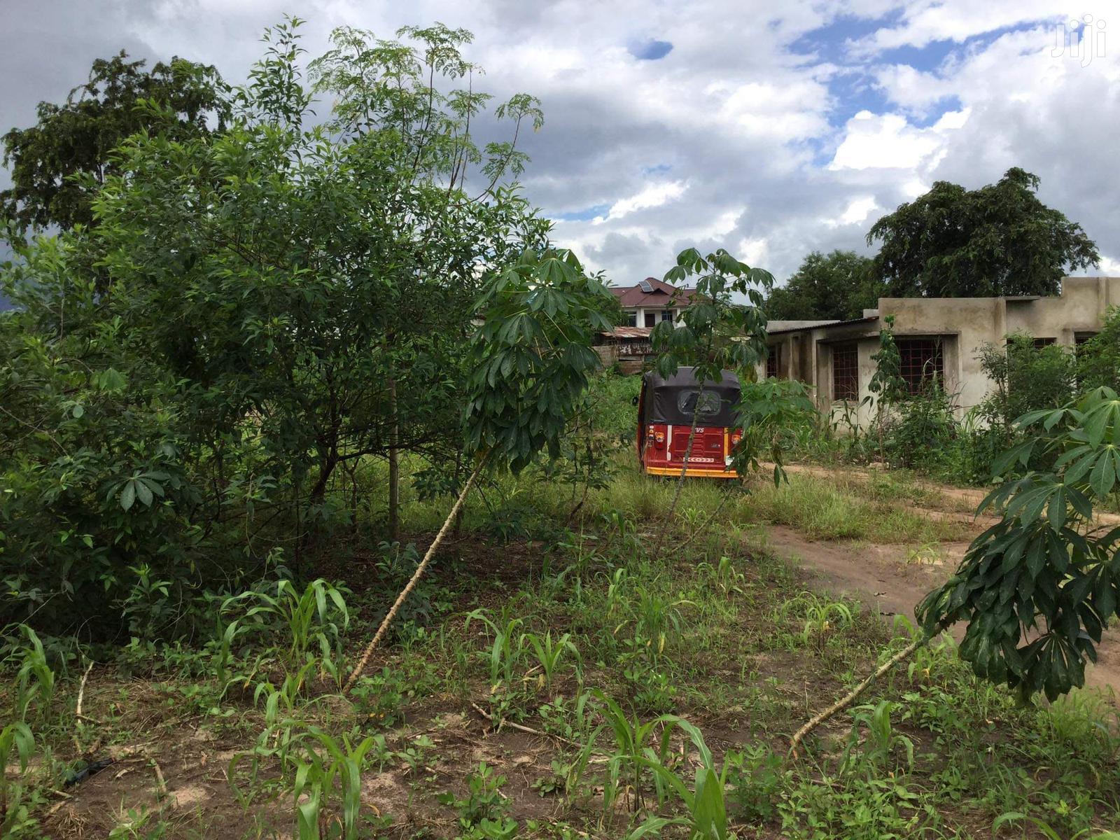 Kiwanja Kinauzwa Bunju B, Mabwepande Sq 800. Kimepimwa | Land & Plots For Sale for sale in Bunju, Kinondoni, Tanzania