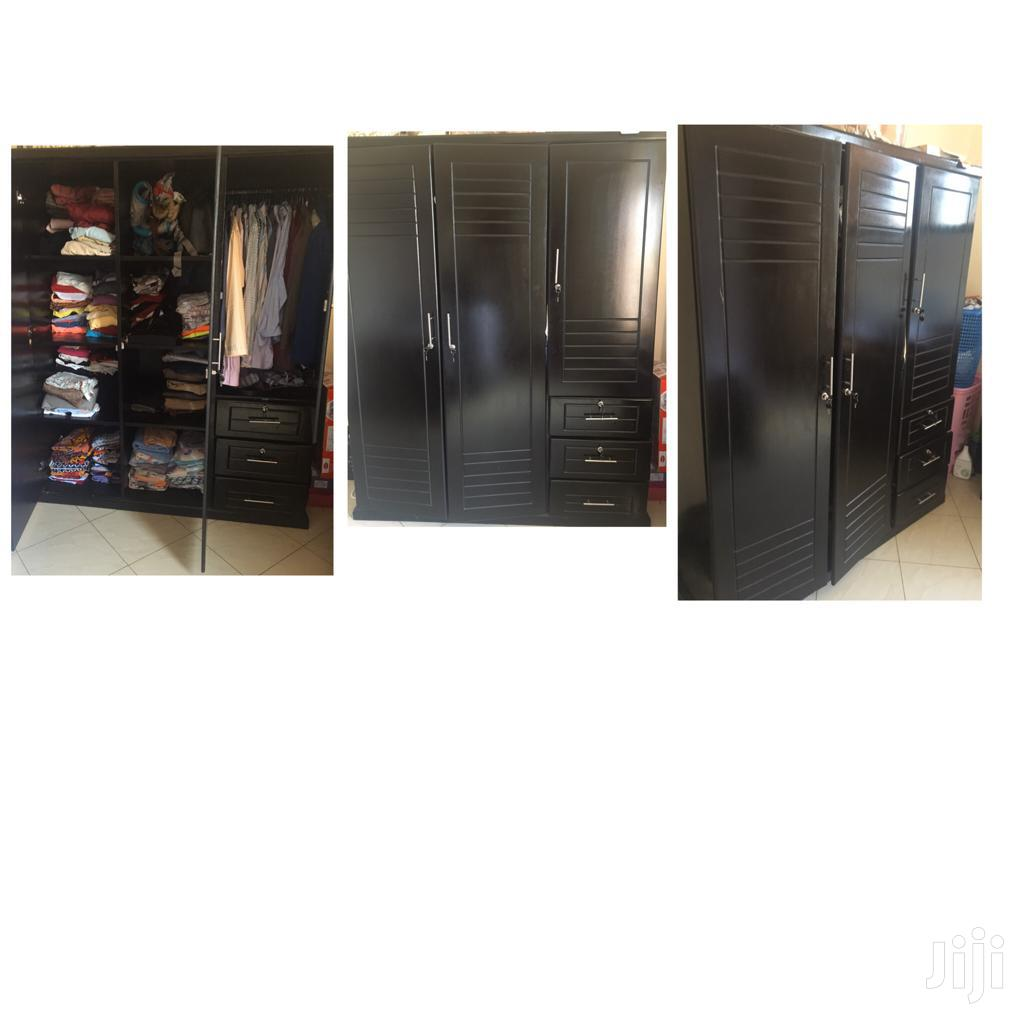 Archive: Best Furnished Wardrobe With 3 Doors + 3 Drawers
