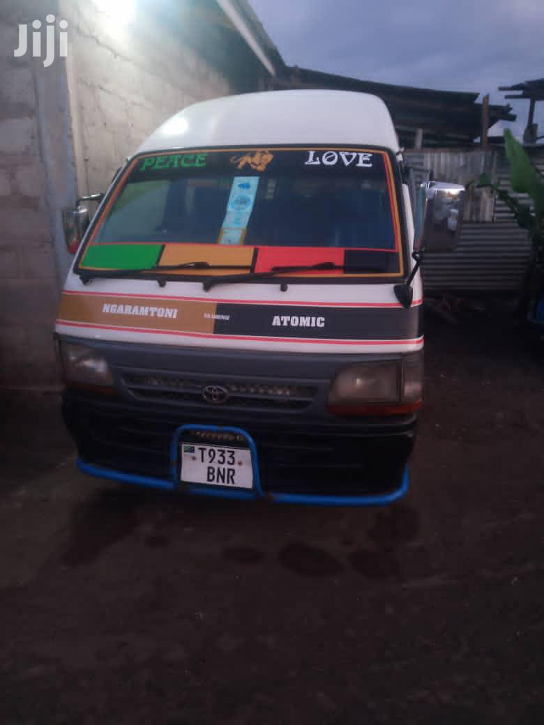 Archive: Hiace Toyota 5L BNR