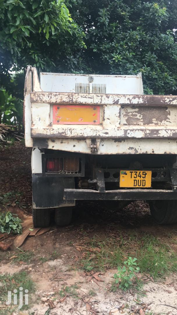 Archive: Mitsubishi Fuso Fighter 4tons Tipper