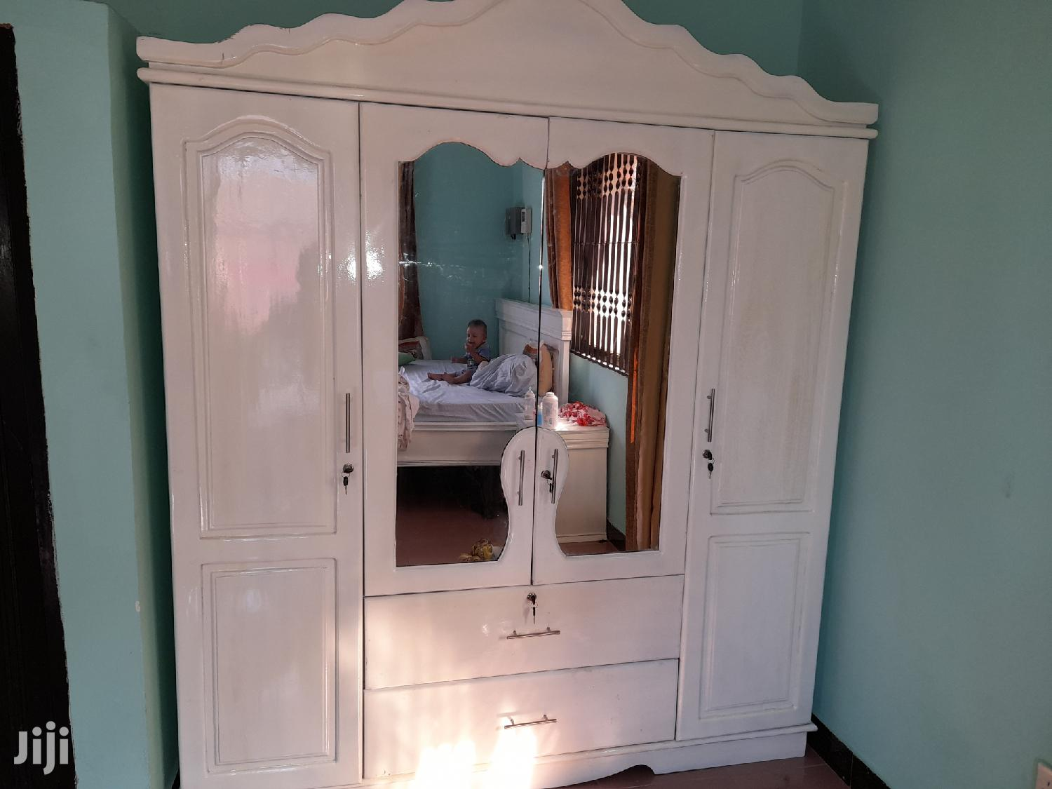 Archive: Used Wardrobes