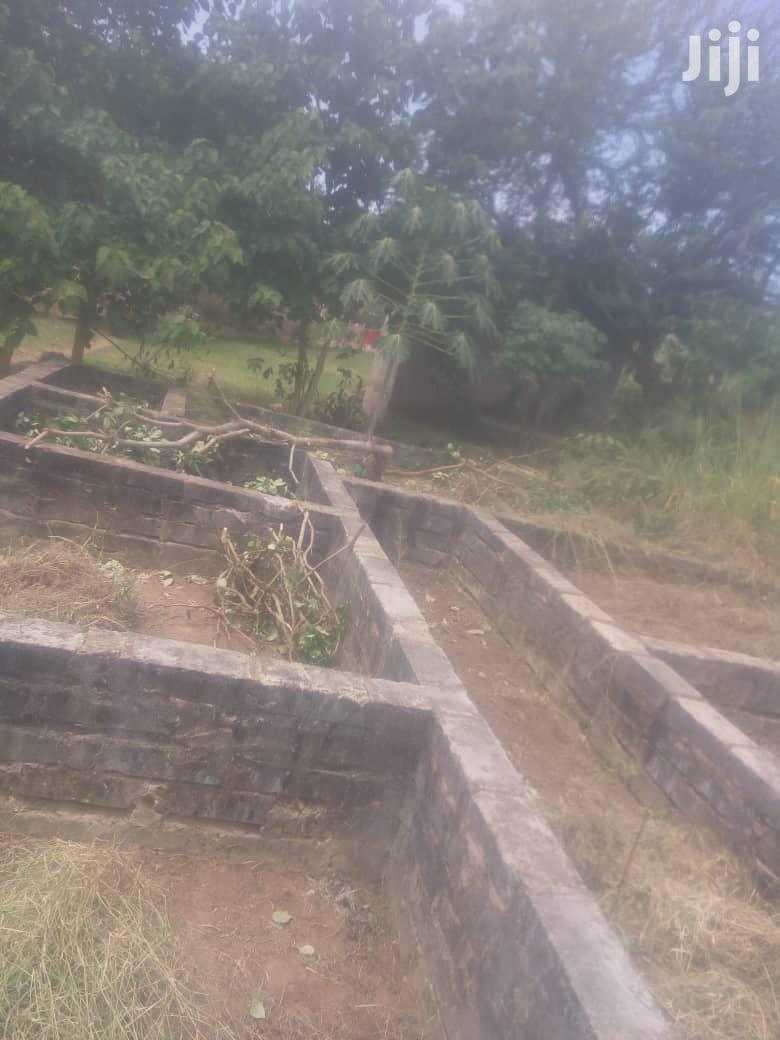 Kiwanja Tegeta Sala Sala Chenye Msingi Kinauzwa