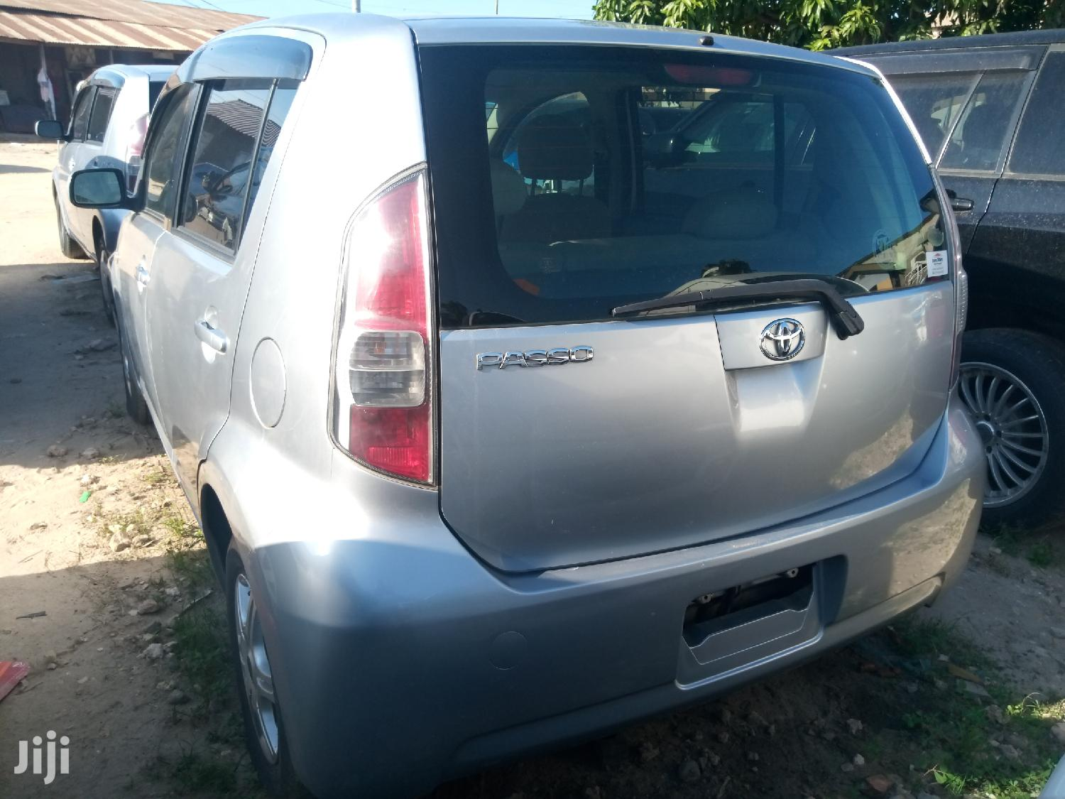 Archive: New Toyota Passo 2005 Silver