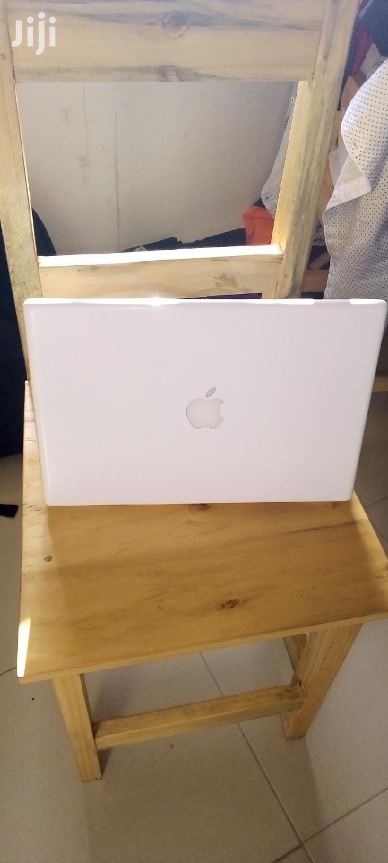 Archive: Laptop Apple MacBook 2GB AMD HDD 320GB