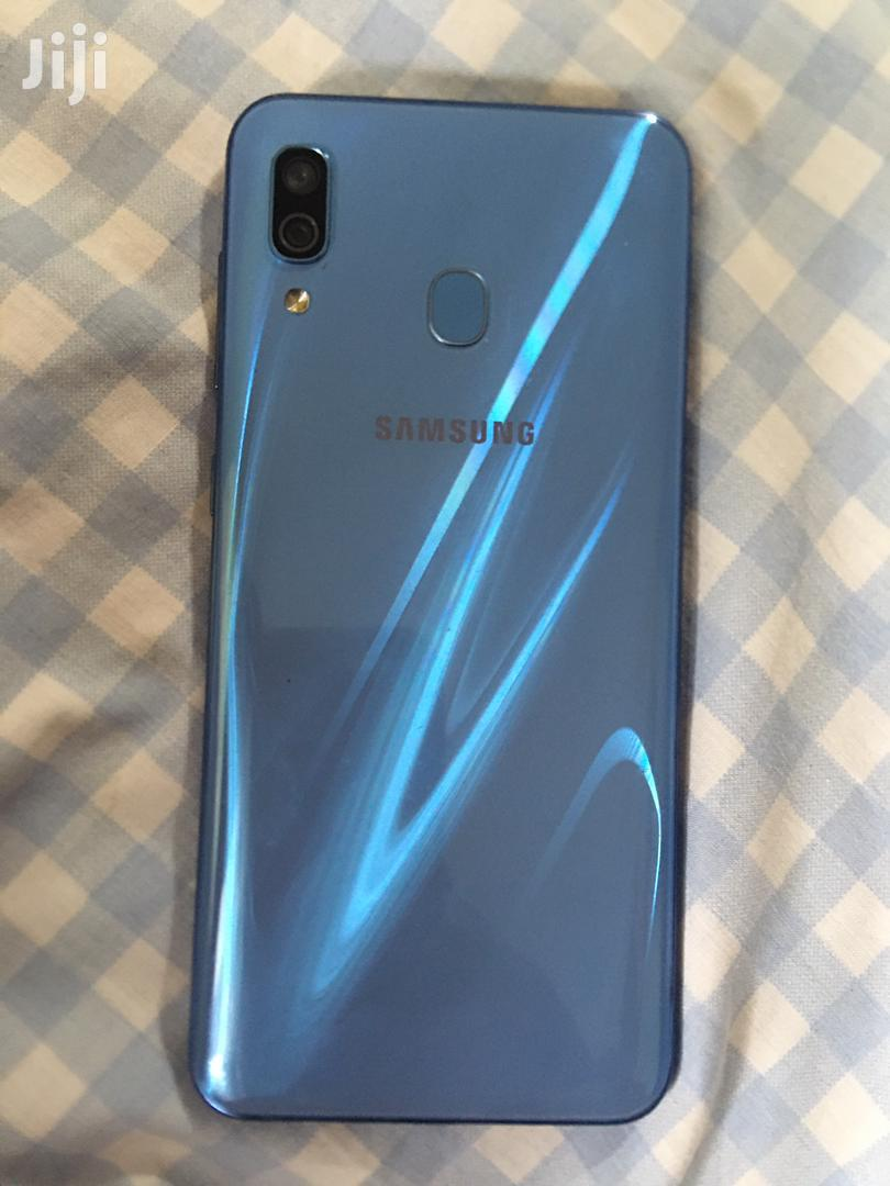 Archive: Samsung Galaxy A30 64 GB Blue