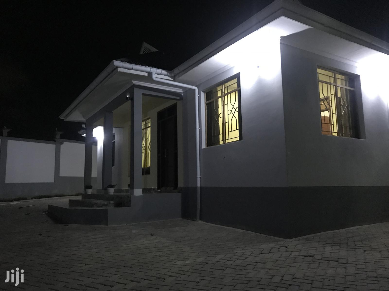 House in a Good Condition | Houses & Apartments For Sale for sale in Kinondoni, Dar es Salaam, Tanzania