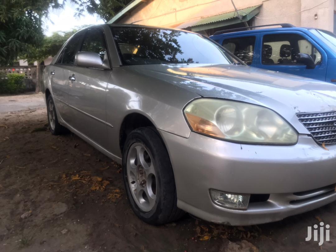 Archive: Toyota Mark II 2000 2.0 Silver