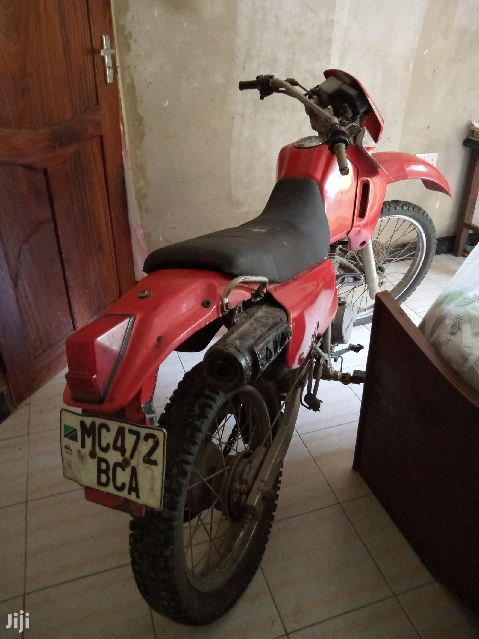 Archive: Honda 2005 Red