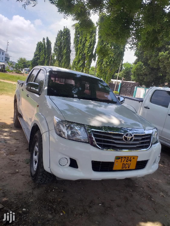 Toyota Hilux 2016 White