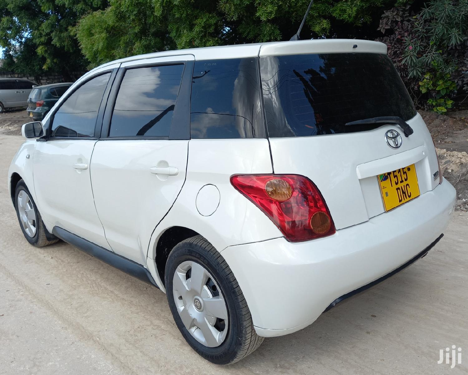 Archive: Toyota IST 2004 White