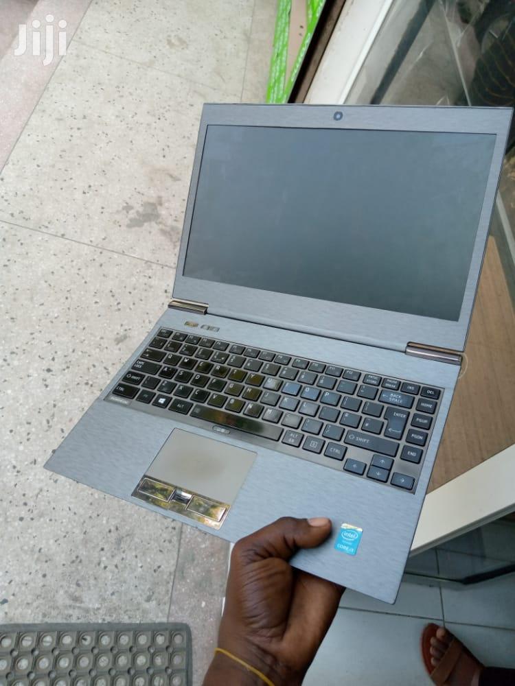 Archive: Laptop Toshiba A50 4GB Intel Core I3 SSD 128GB