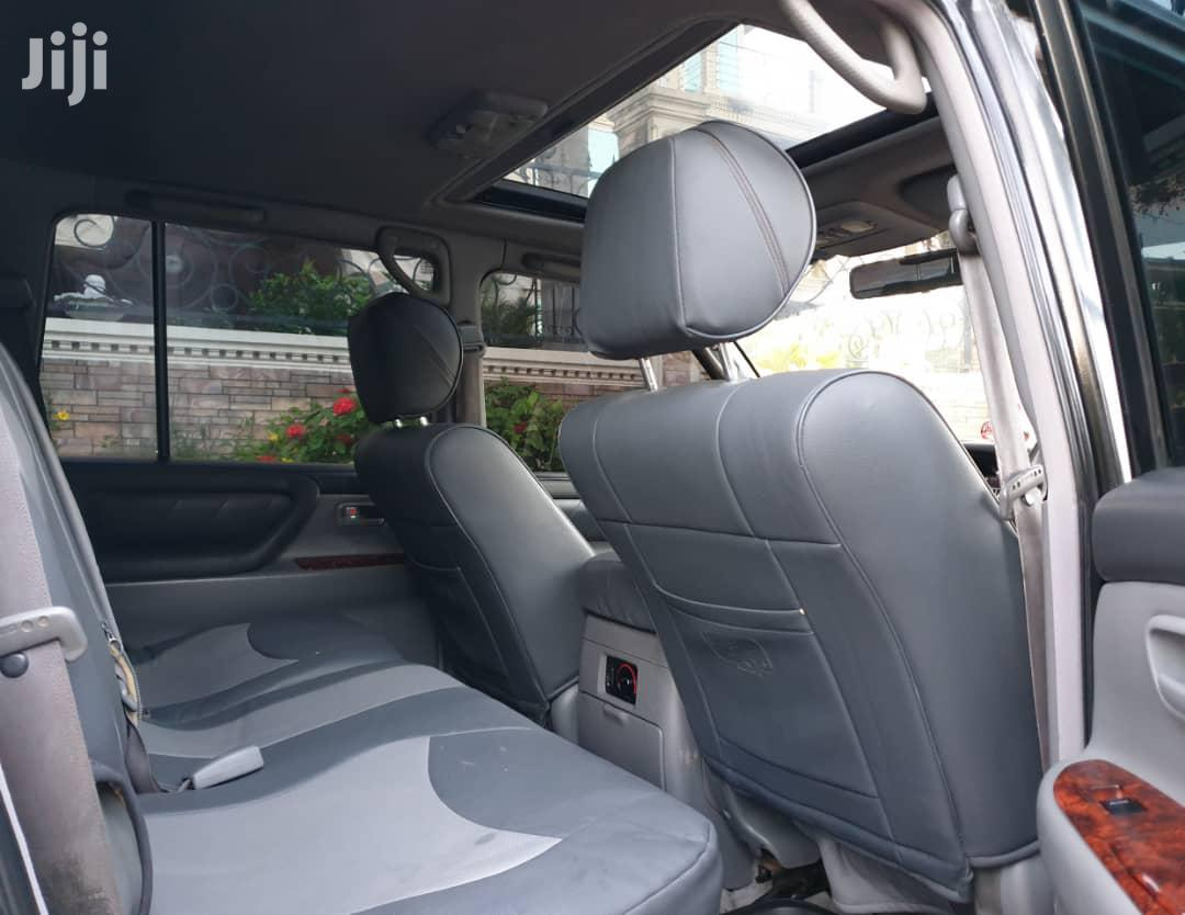 Archive: Toyota Land Cruiser 2003 Silver