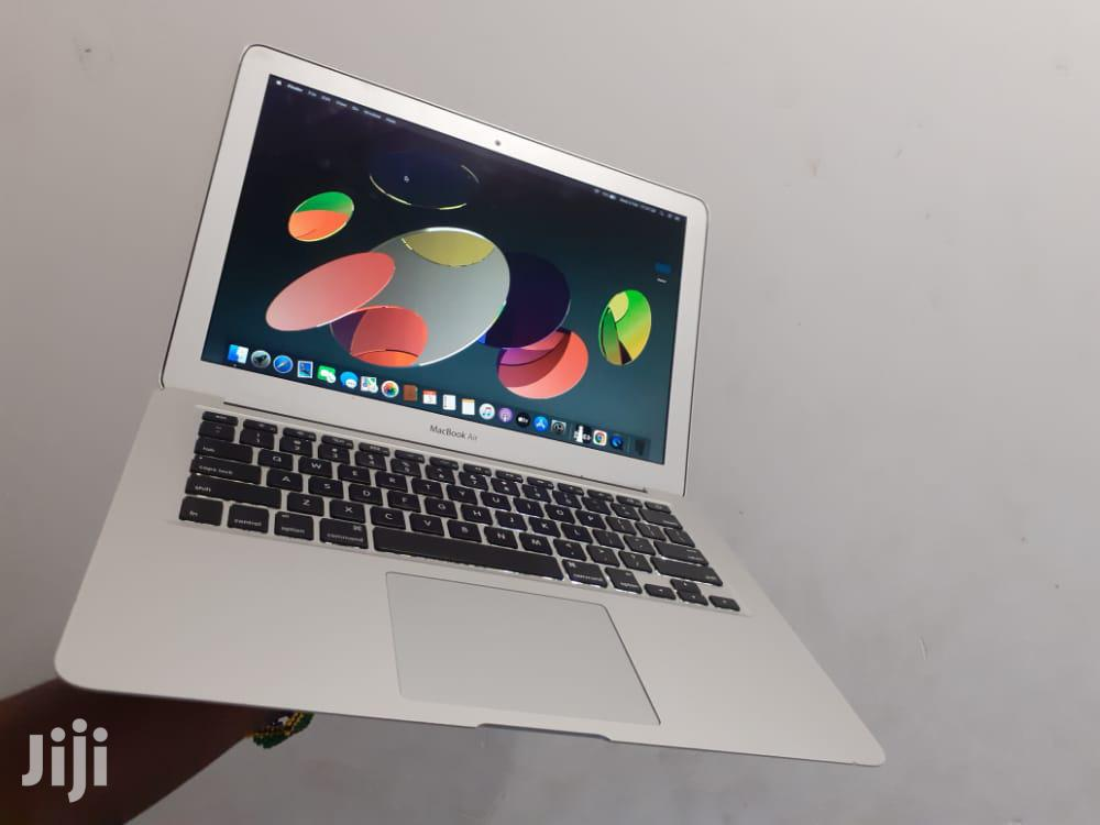 Archive: Laptop Apple MacBook Air 4GB Intel Core I5 SSD 60GB