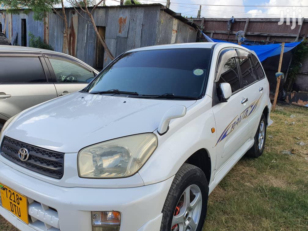 Archive: Toyota RAV4 2002 Automatic White