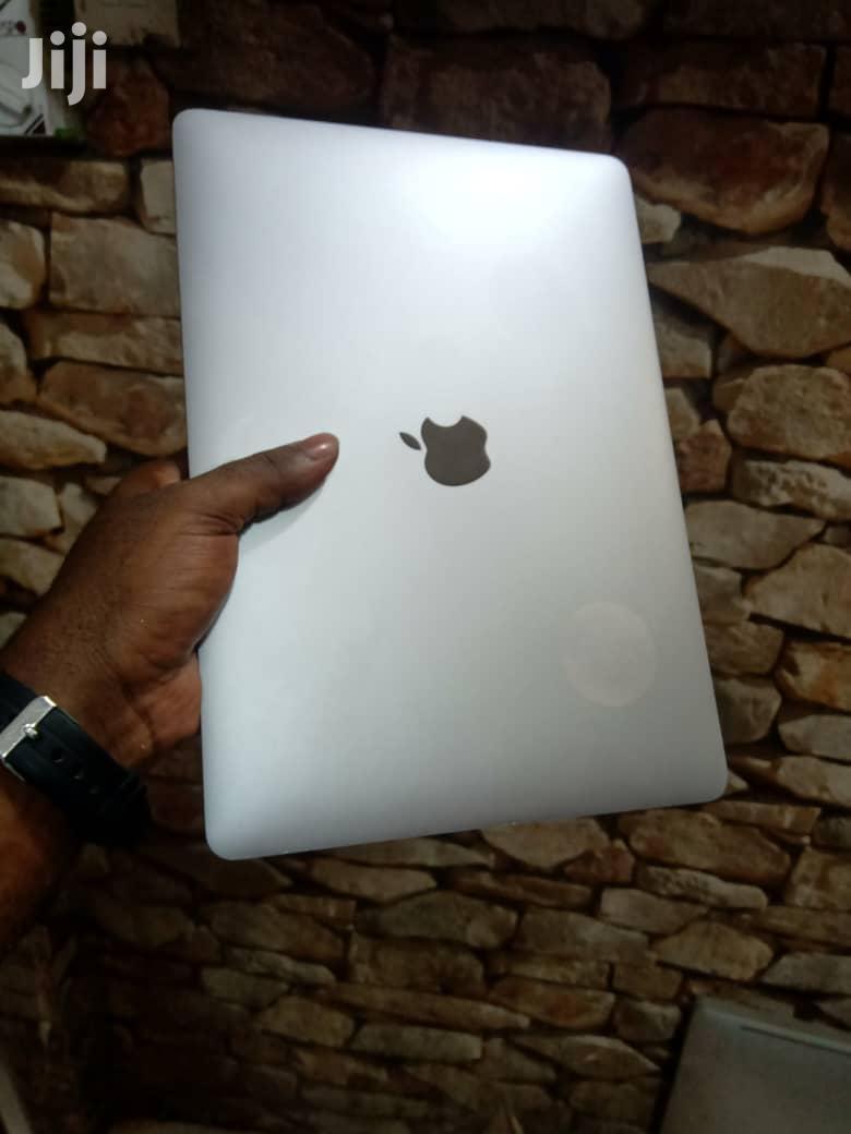 Laptop Apple MacBook 2018 8GB Intel Core I5 SSD 128GB   Laptops & Computers for sale in Ilala, Dar es Salaam, Tanzania