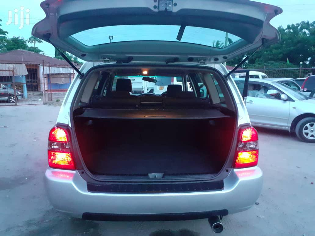 Archive: Toyota Kluger 2004 Silver
