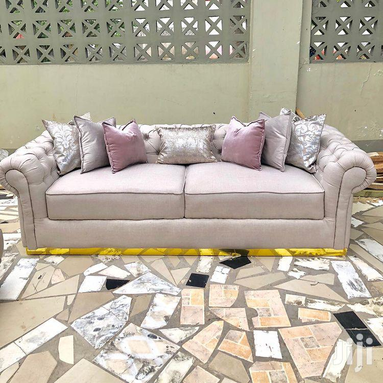 Luxurious Chesterfield Design 3:3:1:1 Sofas