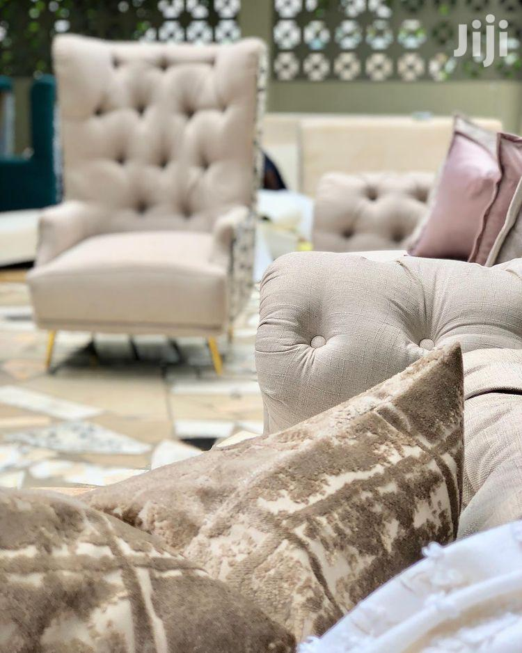 Luxurious Chesterfield Design 3:3:1:1 Sofas | Furniture for sale in Temeke, Dar es Salaam, Tanzania