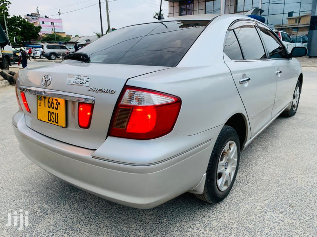 Archive: Toyota Premio 2002 Silver