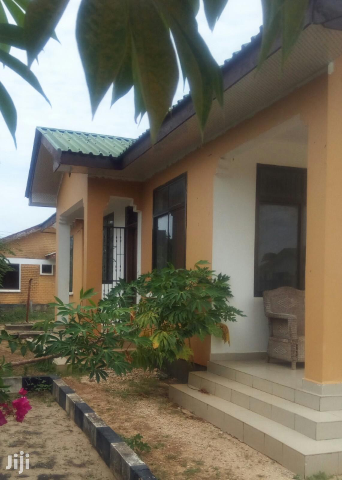 3 Bedrooms House Inapangishwa, Kigamboni