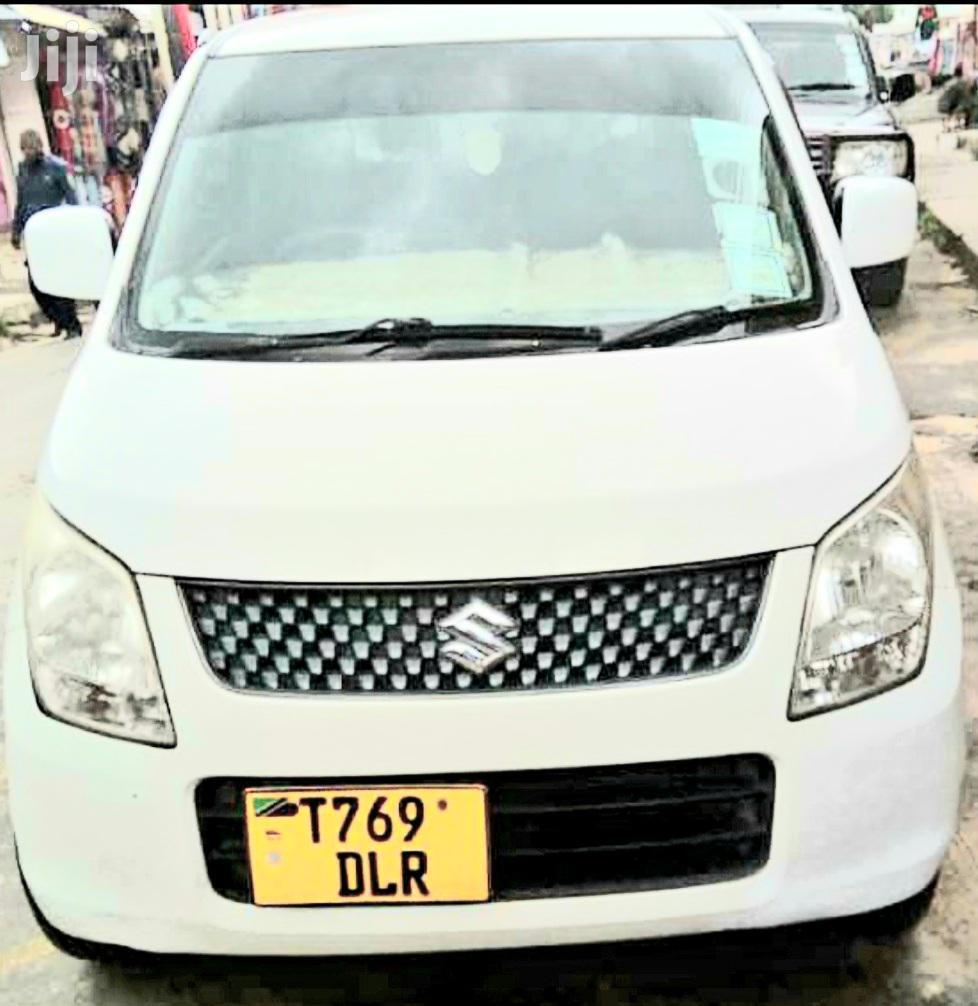 Archive: Suzuki Wagon 2010 White