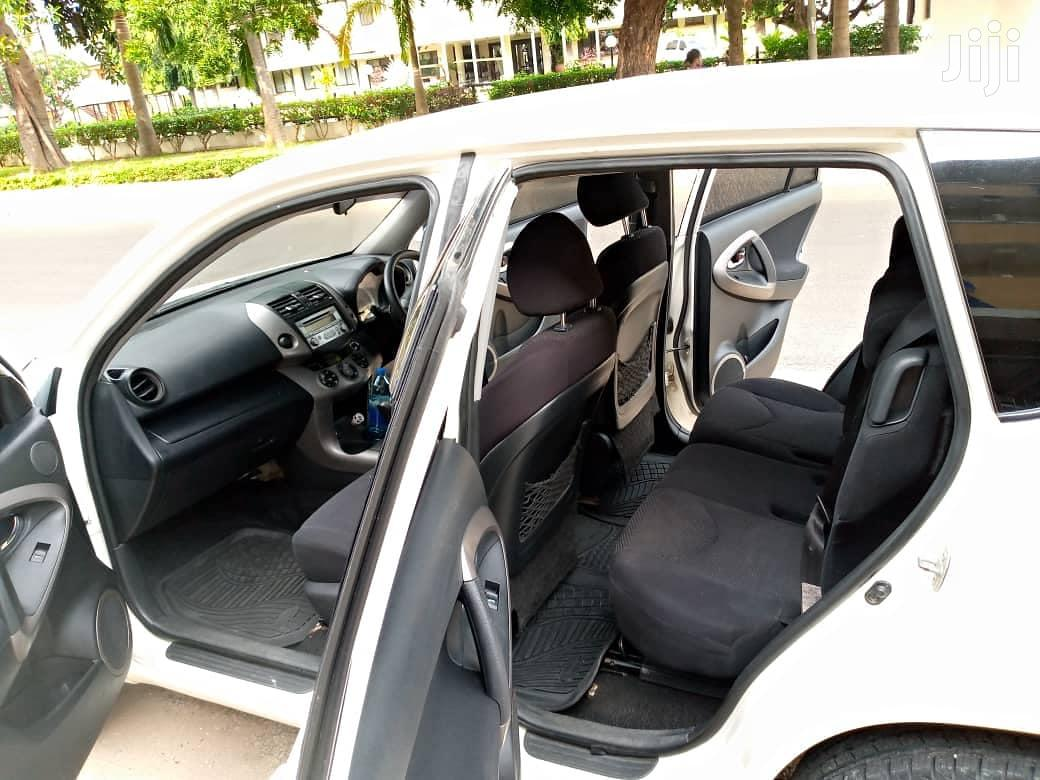 Archive: Toyota RAV4 2008 2.0 VVT-i White