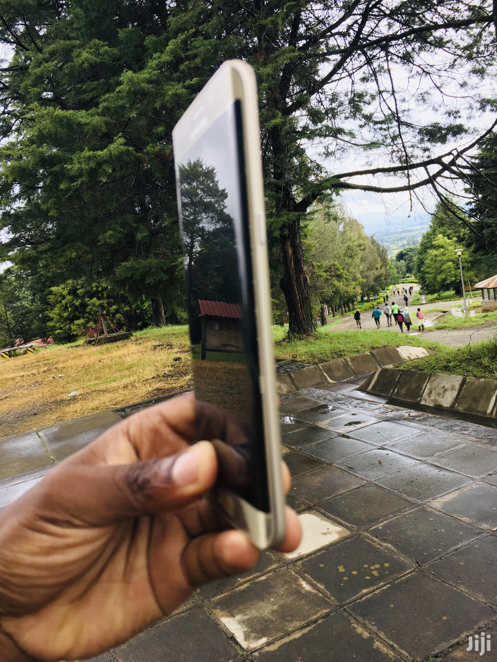 Archive: Samsung Galaxy S6 Plus 32 GB Gold