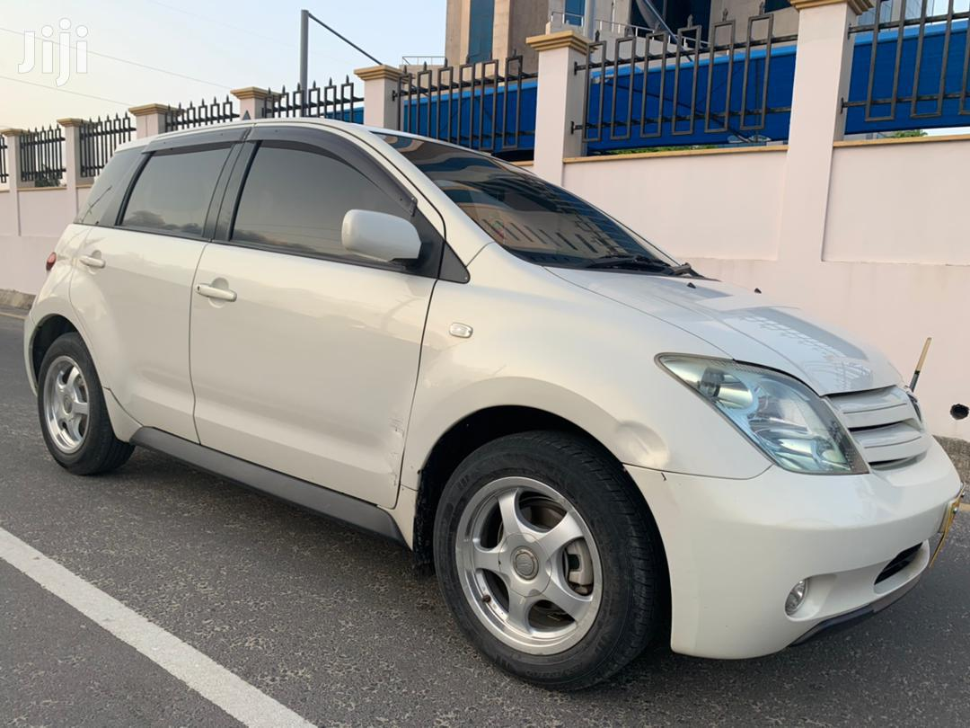 Archive: Toyota IST 2005 White