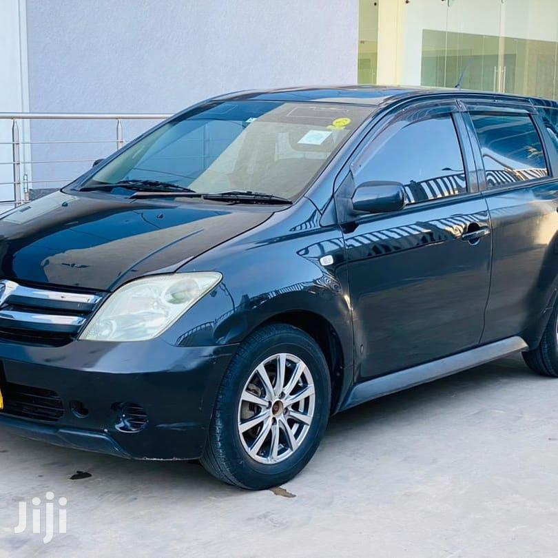 Archive: Toyota IST 2004 Black